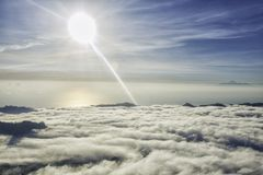 Λίγος ουρανός επάνω από τον ουρανό στοκ εικόνα