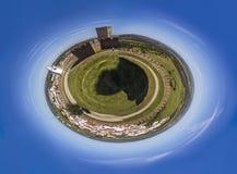 Λίγος πλανήτης του κάστρου και του χωριού Στοκ Εικόνες