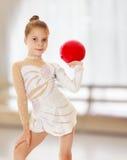 Λίγος gymnast με μια σφαίρα στοκ φωτογραφία με δικαίωμα ελεύθερης χρήσης