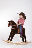 Λίγο αστείο άλογο οδήγησης cowgirl Στοκ φωτογραφίες με δικαίωμα ελεύθερης χρήσης