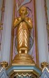 Λίγο γλυπτό του Βούδα στην εκκλησία Στοκ Εικόνα