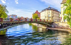 Λίγο Λα λεπτοκαμωμένη Γαλλία, ένα ιστορικό τέταρτο της Γαλλίας της πόλης του Στρασβούργου στην ανατολική Γαλλία στοκ εικόνα