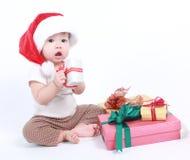 Λίγο μωρό γιορτάζει τα Χριστούγεννα Διακοπές του νέου έτους Στοκ φωτογραφίες με δικαίωμα ελεύθερης χρήσης