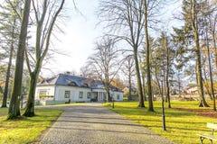 Λίγο σπίτι φέουδων στο Boleslaw Πολωνία Στοκ Φωτογραφία