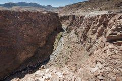 Λίγο φαράγγι προς την κοιλάδα Valle Arcoiris ουράνιων τόξων, στην έρημο Atacama στη Χιλή Στοκ Εικόνες