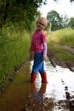 Λίγο χαριτωμένο κορίτσι Στοκ φωτογραφίες με δικαίωμα ελεύθερης χρήσης