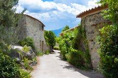 Λίγο χωριό Eus, ένα από τα ομορφότερα χωριά της Γαλλίας Στοκ Φωτογραφίες