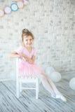Λίγο ballerina σε ένα στούντιο Στοκ εικόνες με δικαίωμα ελεύθερης χρήσης