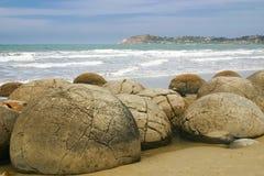 Λίθοι Moeraki στην παραλία Koekohe, Otago, Νέα Ζηλανδία Στοκ Φωτογραφία