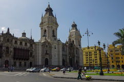 Λίμα, Περού - 31 Δεκεμβρίου 2014: Άποψη της εκκλησίας καθεδρικών ναών και Στοκ φωτογραφία με δικαίωμα ελεύθερης χρήσης