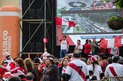 Λίμα, Περού - 10 Οκτωβρίου 2017: Φανατισμός στο Περού Περού εναντίον της Κολομβίας Ρωσία 2018 Στοκ Εικόνες