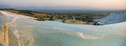 λίμνες ασβεστόλιθων pamukkale στοκ εικόνα με δικαίωμα ελεύθερης χρήσης