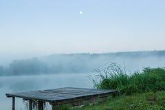 Λίμνες και η ομίχλη ξημερωμάτων Στοκ Εικόνες