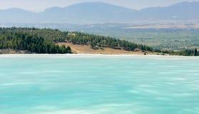 Λίμνες και πεζούλια Pamukkale στοκ φωτογραφίες