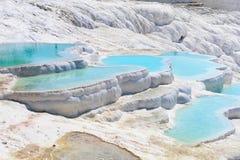 Λίμνες και πεζούλια τραβερτινών σε Pamukkale, Τουρκία Στοκ Εικόνες