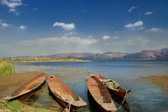 Λίμνες και σκάφος Στοκ εικόνες με δικαίωμα ελεύθερης χρήσης