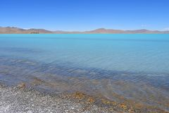 Λίμνες του Θιβέτ Λίμνη του κοβαλτίου του Sam το καλοκαίρι στο σαφή καιρό στοκ εικόνες