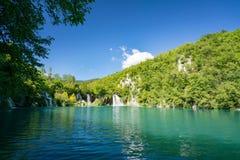 Λίμνες Plitvice της Κροατίας - εθνικό πάρκο το καλοκαίρι Στοκ Φωτογραφίες