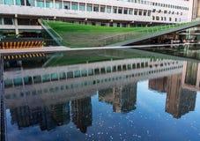 Λίμνη αντανάκλασης στο Lincoln Center Στοκ φωτογραφία με δικαίωμα ελεύθερης χρήσης