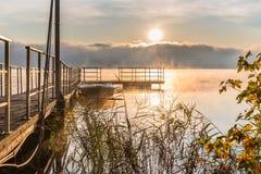 Λίμνη Βαρέζε από Biandronno, Ιταλία, αφετηρία για το νησάκι Βιρτζίνια Στοκ Εικόνα