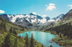 Λίμνη βουνών, Ρωσία, Σιβηρία στοκ φωτογραφία