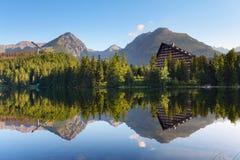 Λίμνη βουνών στη Σλοβακία Tatra - Strbske Pleso Στοκ Φωτογραφία