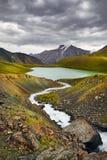Λίμνη βουνών στο Κιργιστάν Στοκ εικόνες με δικαίωμα ελεύθερης χρήσης