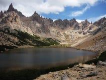 Λίμνη βουνών στο πέρασμα Nahuel Huapi στοκ εικόνες