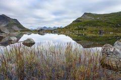 Λίμνη βουνών Fageravetnet Στοκ Εικόνα