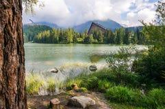 Λίμνη βουνών Pleso Strbske, εθνικό πάρκο υψηλό Tatra (Vysoke Tatry), Σλοβακία Στοκ φωτογραφία με δικαίωμα ελεύθερης χρήσης