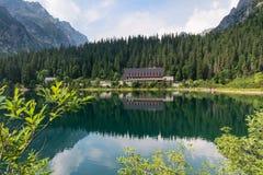 Λίμνη βουνών Popradske σε υψηλό Tatras, Σλοβακία Στοκ φωτογραφία με δικαίωμα ελεύθερης χρήσης