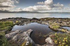 Λίμνη βράχου στο NA Criche Clach στον ήχο Mull Στοκ φωτογραφία με δικαίωμα ελεύθερης χρήσης