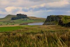 Λίμνη βράχων και τοίχος Hadrian's Στοκ φωτογραφία με δικαίωμα ελεύθερης χρήσης