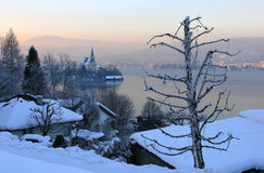 λίμνη εκκλησιών στοκ φωτογραφία με δικαίωμα ελεύθερης χρήσης