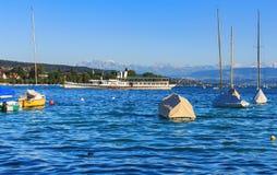 Λίμνη Ζυρίχη στην Ελβετία σε ένα βράδυ καλοκαιριού Στοκ φωτογραφία με δικαίωμα ελεύθερης χρήσης