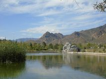 Λίμνη και βουνά στοκ φωτογραφίες