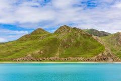 Λίμνη και βουνό Στοκ φωτογραφία με δικαίωμα ελεύθερης χρήσης