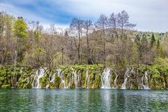 Λίμνη και καταρράκτης-Plitvice εθνικό πάρκο, Κροατία Στοκ Εικόνες