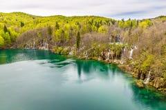 Λίμνη και καταρράκτης-Plitvice εθνικό πάρκο, Κροατία Στοκ Φωτογραφία