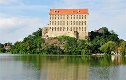 Λίμνη και Castle Plumlov, Δημοκρατία της Τσεχίας, Ευρώπη Στοκ φωτογραφία με δικαίωμα ελεύθερης χρήσης