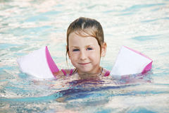 λίμνη κοριτσιών Στοκ εικόνες με δικαίωμα ελεύθερης χρήσης