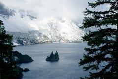 λίμνη κρατήρων Στοκ εικόνες με δικαίωμα ελεύθερης χρήσης