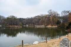 Λίμνη μέσα στο παλάτι area2 Changgyeong Στοκ εικόνα με δικαίωμα ελεύθερης χρήσης
