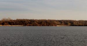 Λίμνη με τα δέντρα, θέση Nadrz Zavada - Vetrov, u Karvine, CZ Petrovice Στοκ φωτογραφίες με δικαίωμα ελεύθερης χρήσης