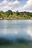 Λίμνη με τα δέντρα στη Βαυαρία Στοκ φωτογραφία με δικαίωμα ελεύθερης χρήσης