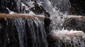 Λίμνη νερού και ροή του νερού απόθεμα βίντεο