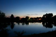 Λίμνη νύχτας στοκ εικόνες