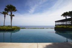 Λίμνη ξενοδοχείων στοκ φωτογραφία με δικαίωμα ελεύθερης χρήσης