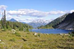 Λίμνη ουράνιων τόξων Στοκ φωτογραφία με δικαίωμα ελεύθερης χρήσης