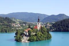 Λίμνη που αιμορραγείται με το νησί και την εκκλησία Στοκ Εικόνα